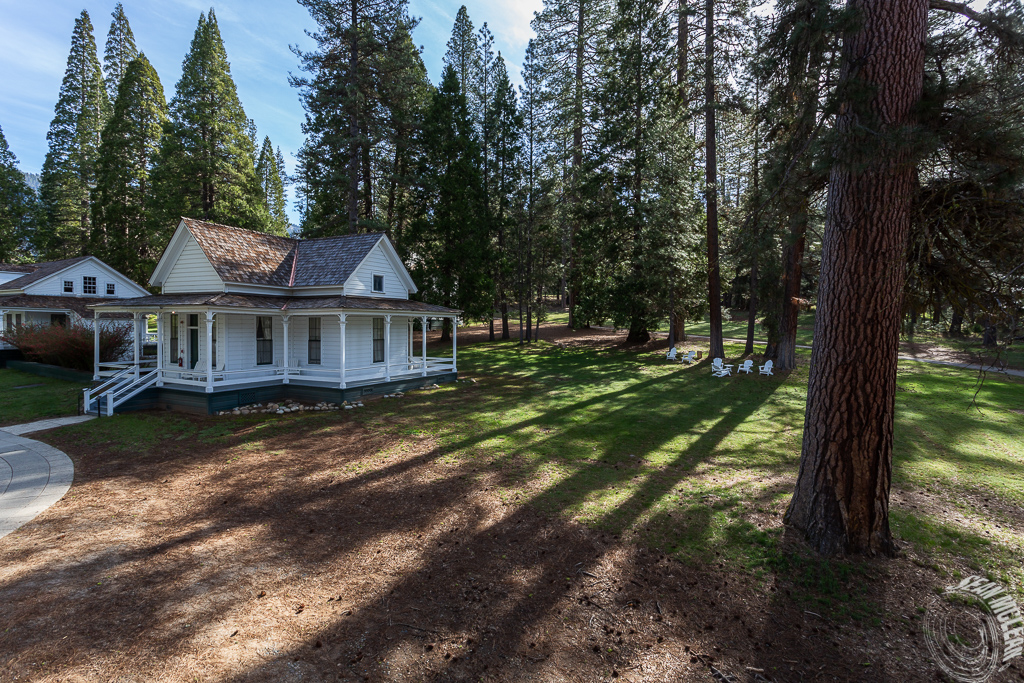 Wawona Hotel (Big Trees Lodge)